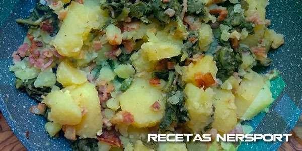 Patatas rehogadas con jamón York y acelgas